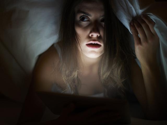 Vì sao con người cảm thấy sợ bóng tối?