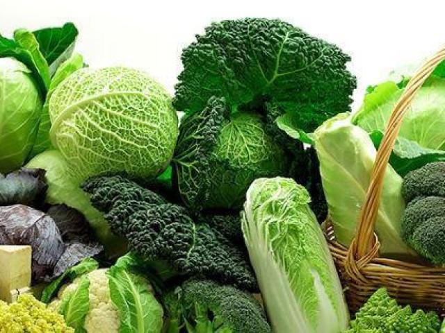 Không muốn ngộ độc thì dừng ngay việc ăn sống các loại rau này