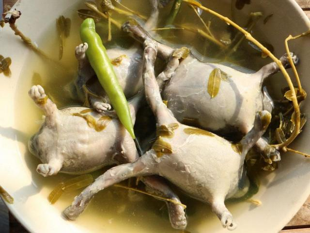 """Đặc sản Ninh Thuận: Món thoạt nhìn đã sợ, món ai ăn cũng dễ """"nghiện"""""""