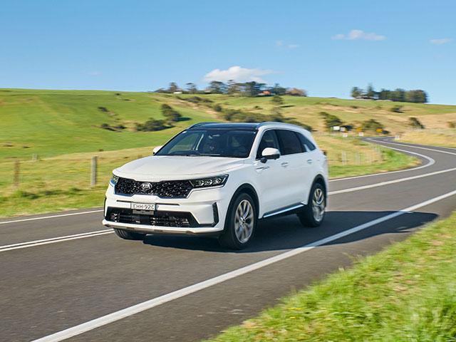 Giá xe Kia Sorento lăn bánh tháng 9/2021, hỗ trợ lên đến 100 triệu đồng