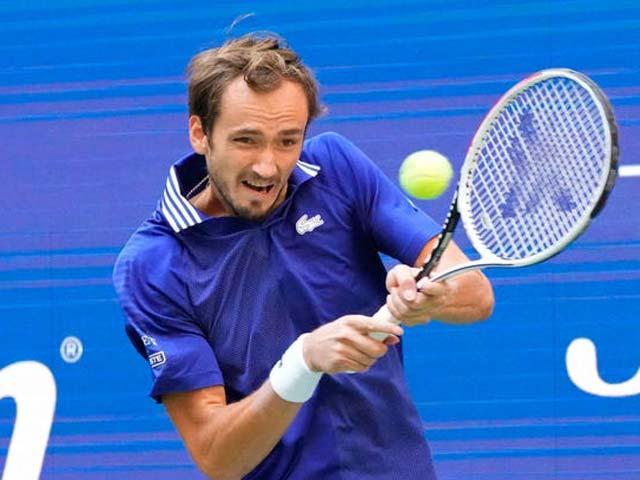 Video tennis Auger Aliassime - Medvedev: Đẳng cấp lên tiếng, giật vé vàng chóng vánh (Bán kết US Open)
