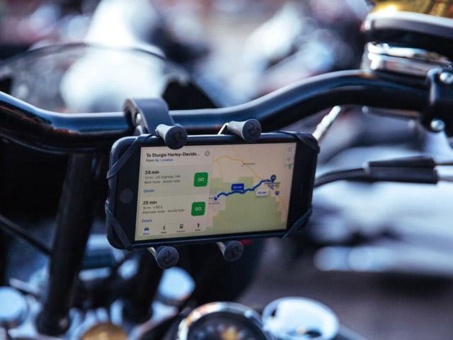 Apple cảnh báo gắn iPhone trên xe máy có thể làm hỏng iPhone