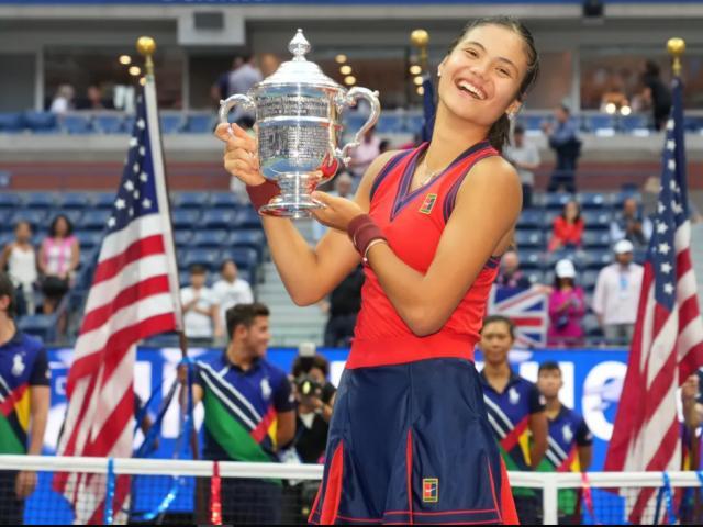 Mỹ nhân 18 tuổi Raducanu vô địch US Open, nói gì khi lập mưa kỷ lục đáng nể?