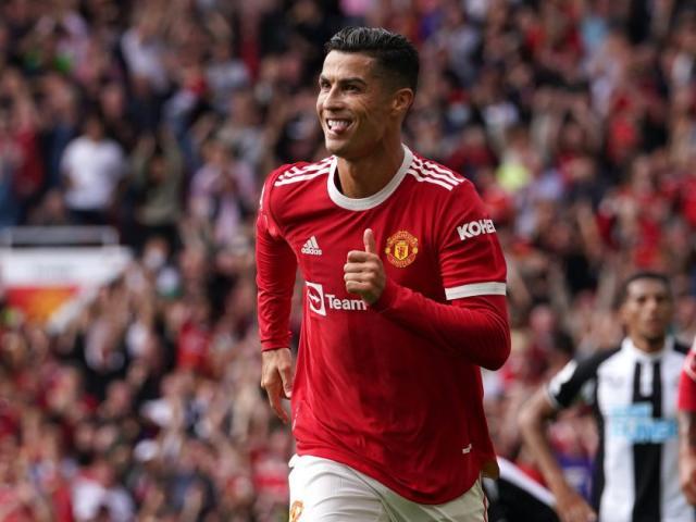 Ronaldo lập 200 cú đúp vẫn bị huyền thoại Arsenal dằn mặt, fan Chelsea cà khịa