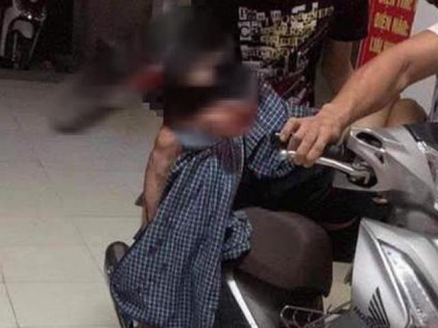 Kinh hãi dao cắm sâu vào đầu nam thanh niên sau cuộc truy sát