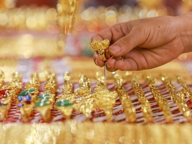 Giá vàng hôm nay 14/9: Dân buôn thận trọng, vàng giữ giá
