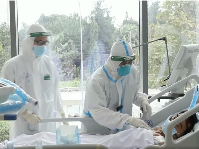 """Theo chân """"bác sĩ 91"""" Trần Thanh Linh điều trị cho cho bệnh nhân COVID-19"""
