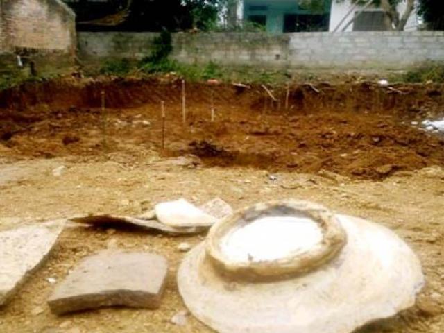 Người dân Bắc Giang đào được cả bao tiền và những câu chuyện đào vườn thấy kho báu