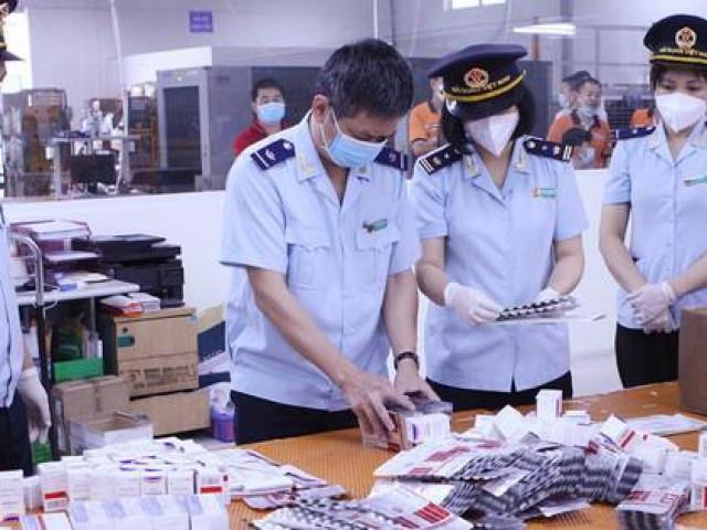 Núp bóng quà biếu tặng, tuồn thuốc trị COVID-19 về Việt Nam: Lộ chi tiết bất thường