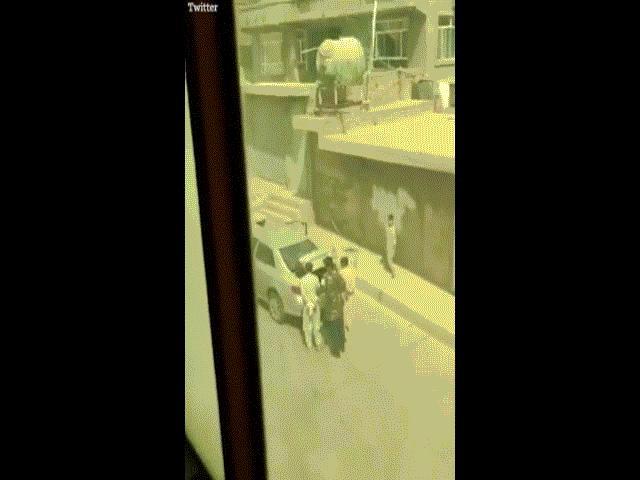 Taliban bị tố đánh đập, hành quyết dân thường Afghanistan ngay trên phố