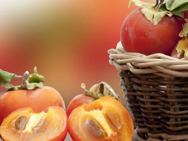 Sắp đến mùa quả hồng, ai không nên ăn, có hợp với người vừa tiêm vắc-xin COVID-19?