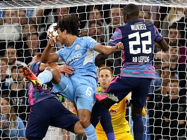 Trực tiếp bóng đá Man City - Leipzig: Thẻ đỏ bất ngờ (Cúp C1)