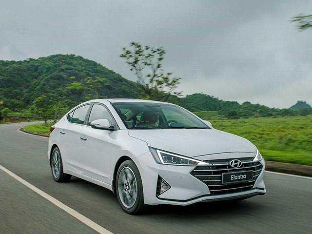 Giá xe Hyundai Elantra lăn bánh tháng 9/2021