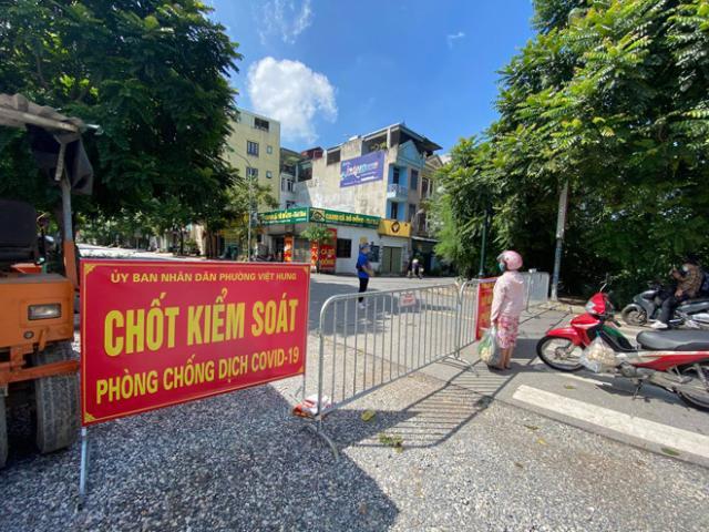 Hà Nội: Tạm phong toả khu dân cư nơi 6 người trong cùng 1 gia đình dương tính với SARS-CoV-2