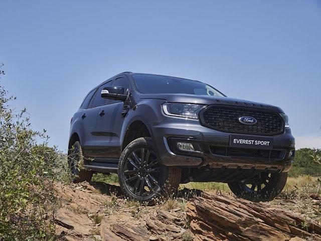 Giá xe Ford Everest lăn bánh tháng 9/2021, ưu đãi 20 triệu đồng