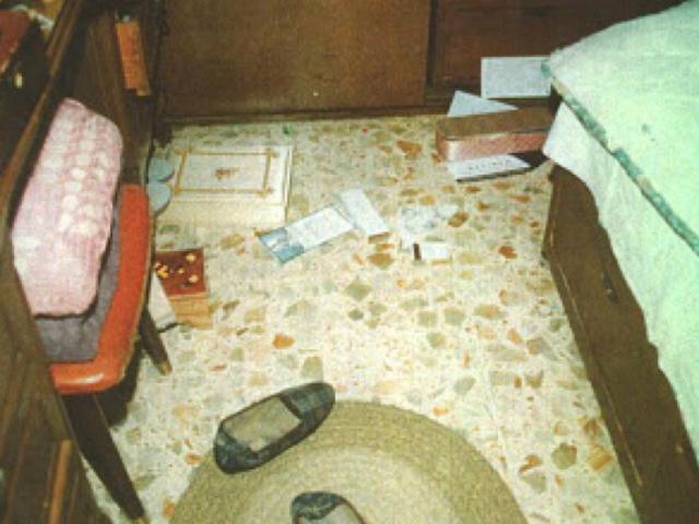 Tội ác của người đàn bà 13 tuổi bị mẹ bán làm nô lệ tình dục: Sát nhân bí ẩn