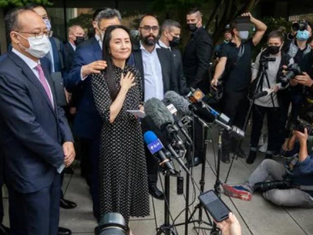 Công chúa Huawei Mạnh Vãn Chu đã về đến Trung Quốc