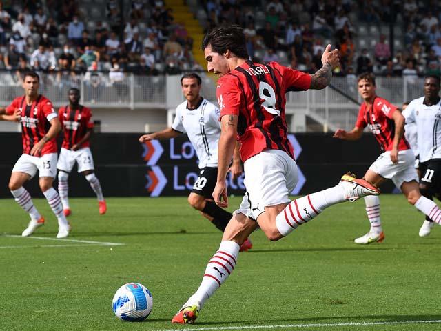"""Kết quả bóng đá Spezia - AC Milan: Bùng nổ hiệp 2, """"kép phụ"""" định đoạt (Vòng 6 Serie A)"""