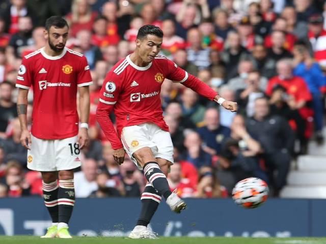 """Ronaldo tịt ngòi sau 3 trận thăng hoa: Kết thúc """"tuần trăng mật"""", khó khăn bắt đầu"""