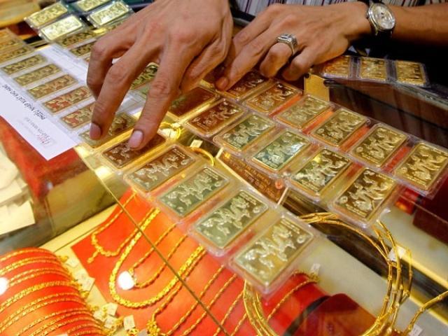 Giá vàng hôm nay 2/10: USD đi xuống kéo giá vàng đi lên
