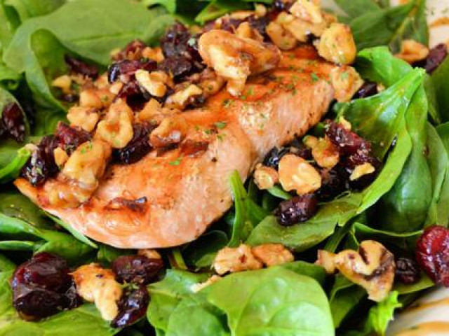 Ăn loại rau dễ tìm, giảm một nửa nguy cơ ung thư ruột kết