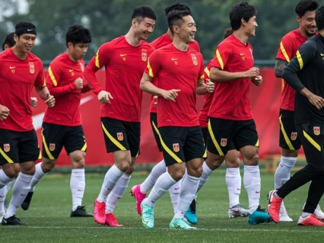 """Hé lộ số tiền """"khủng"""" tuyển Trung Quốc chi để chuẩn bị cho trận gặp Việt Nam đêm nay"""