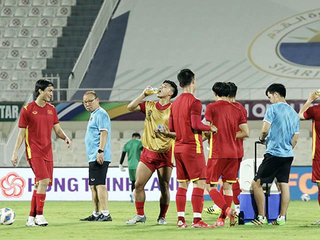 Công bố danh sách ĐT Việt Nam đấu Trung Quốc: 4 cầu thủ nào bị loại?