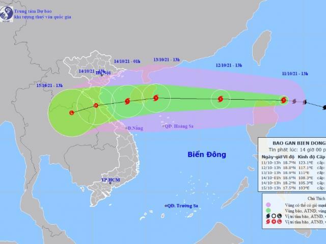 Bão Kompasu đang mạnh lên, gió giật cấp 12 áp sát Biển Đông