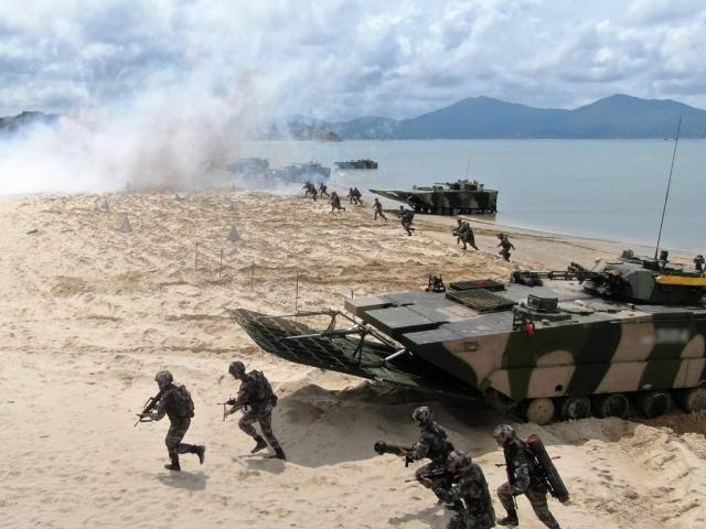 """Cựu đại tá Mỹ: Hãy nói rõ """"Trung Quốc sẽ mất tất cả"""" nếu tấn công Đài Loan"""