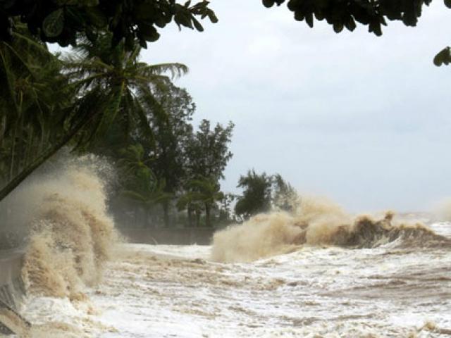 Vì sao bão số 8 Kompasu giảm nhanh cấp độ khi tiến gần đất liền nước ta?