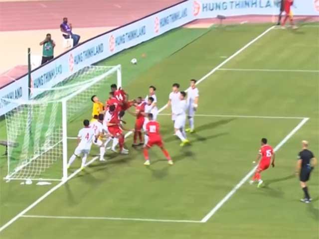 ĐT Việt Nam thủng lưới vì pha phạt góc kì dị, Oman ghi bàn có hợp lệ?